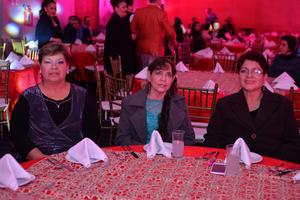 26122016 Margarita, María del Socorro y Margarita.