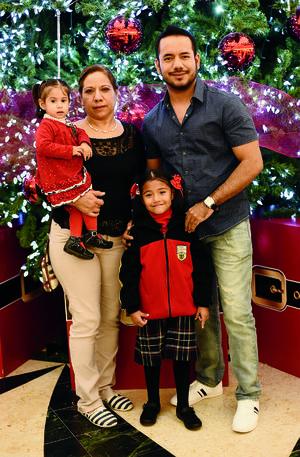 26122016 Carmen, Ana Paula, Carlos y Gretel.