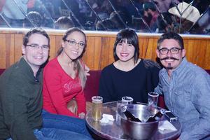 27122016 Brandon, Brenda, Mónica y Ricardo.