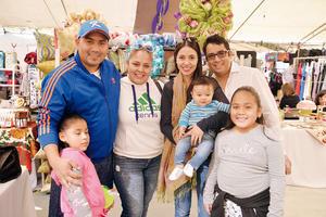 27122016 Enrique, Ximena, Evelyn, Huguette, Diego Emilio, Benjamín y Danna.