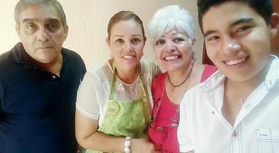 29122016 Vicente, Gaby, Cuquis y Memo.