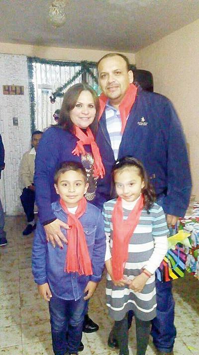 29122016 Diana, Francisco, Paquito y Camila.