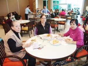 29122016 Lupita, Cande y Juanita.