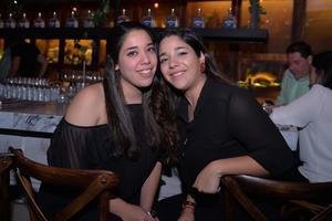 30122016 Cristy y Elba.