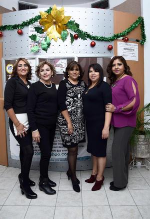 30122016 Lulú, Mary, Violeta, Angélica y Claudia.