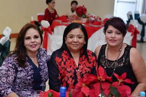31122016 EN FESTEJO.  Lucy, Norma y Alma Yesenia.