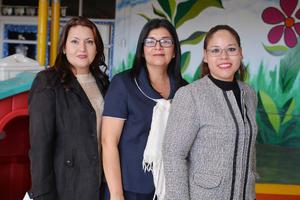 31122016 COMPAñERAS.  Brenda, María Esther y Tania.