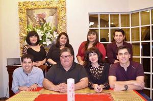 31122016 NOCHE BUENA.  Patricia, Carolina, Andrea, Edmundo, Mony, Ramón, Irma y Julio E.