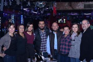 31122016 ENTRE AMIGOS.  Cristy, Ana, Paty, Hugo, Franz, Gaby, Clau y Raúl.