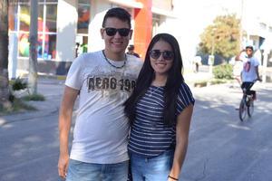 31122016 EN PASEO COLóN.  Sergio y Valeria.