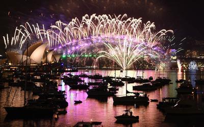 El teatro de opera de Sidney, es partícipe de los festejos de Australia.
