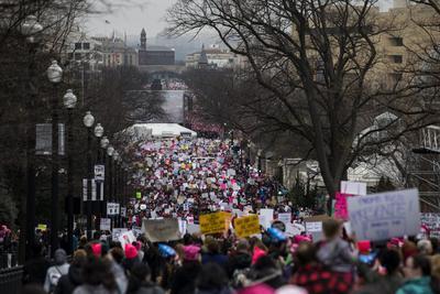 Cientos de miles de mujeres se concentraron el sábado en Washington y otras ciudades alrededor del mundo para demostrarle a Donald Trump que no las callarán durante los próximos cuatro años.