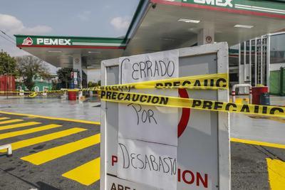 A partir de ayer y hasta el 3 de febrero, por el proceso de liberación de precios de las gasolinas al mercado internacional, el litro de la Magna cuesta 15.99 pesos, el de la Premium, 17.99 pesos y el diésel, 17.05 pesos.