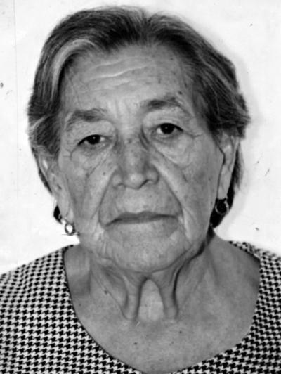 01012017 María Reyes Camacho de Sánchez (f) en la década de los 90.