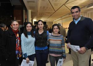 02012017 Mónica, María, Diana, Ana y Julio César.