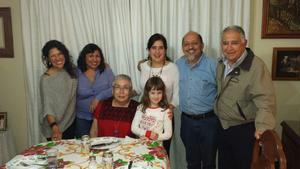 02012017 GRATA CONVIVENCIA.  Vanessa, Vero, Idoia, José Antonio, Manuel,  Isabel y Ainhoa.