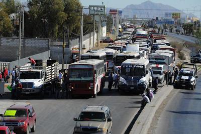 Cerca de 700 unidades son las que participaron en el movimiento entre taxistas, materialistas y transporte urbano.