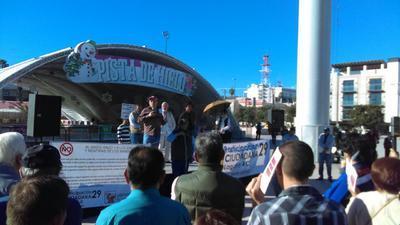 La primera de las protestas se registró en la explanada de la Plaza Mayor de Torreón.