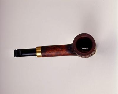 WASHINGTON (ESTADOS UNIDOS).- Fotografía que muestra una pipa de fumar usada por las Fuerzas especiales británicas que puede disparar proyectiles EFE