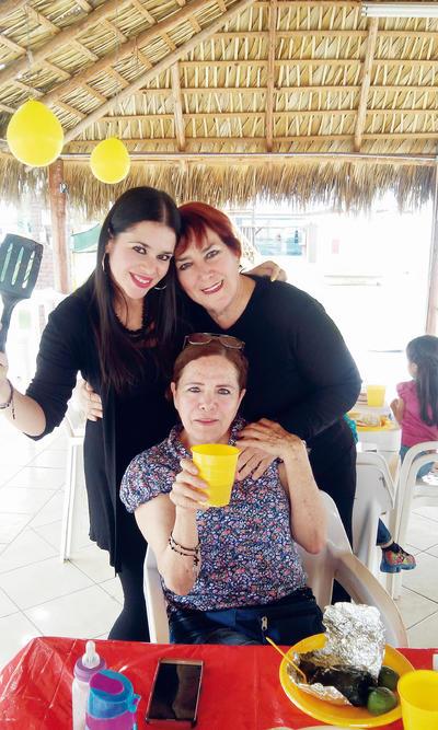 05012017 Rosy, Bertha y Blanca.