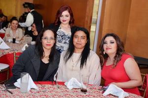 05012017 EN RECIENTE FESTEJO.  Cecilia, Perla, Ángeles y Selmi.