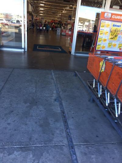 Antes, alrededor de las 11:00 horas, había circulado el rumor de saqueos cuando menos tres tiendas departamentales de la ciudad de Durango, mismos que tampoco ocurrieron.