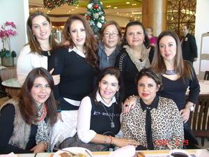 07012017 EN LA TERRAZZA.  Marilú, Luce, Alicia, Rocío, Claudia, Neda, Mónica y Rosy.