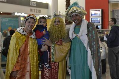 Para crear una atmósfera especial y conmemorar como es debido el 6 de enero, aparecieron los Reyes Magos.