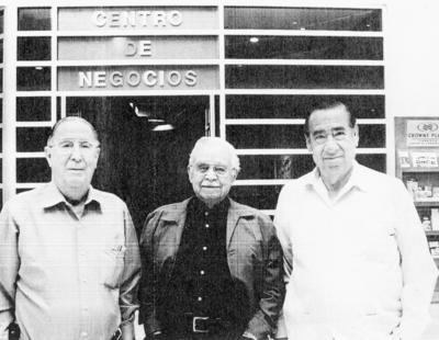 08012017 En el Hotel Crowne Plaza, Francisco J. Madero y don Braulio Fernández Aguirre, gobernadores de Coahuila, y Víctor González Avelar.