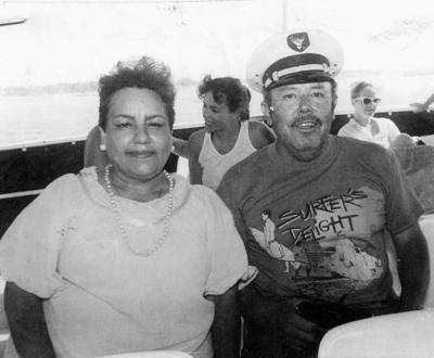 08012017 Virginia Cera Pérez (f) y Mauro Calderón Martínez, hace varias décadas.