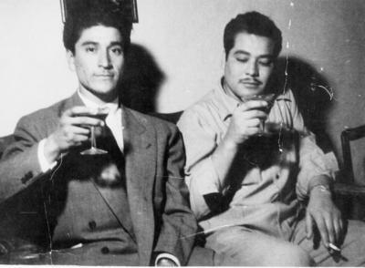 08012017 Alfredo Medrano y Juan Torres (f), comerciante del Mercado Alianza, en 1972.