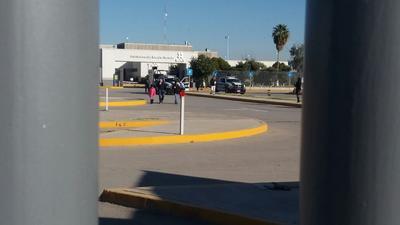 La policía federal estuvo para vigilar las instalaciones y no permitir disturbios por parte de los manifestantes.