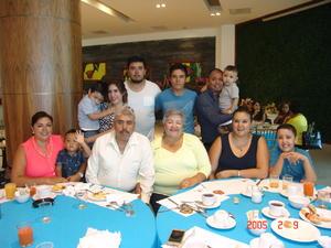 08012017 En familia.