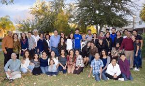 09012017 CELEBRAN AñO NUEVO.  Familias Hernández, Aguirre, Islas, Balderas, Ruiz de Esparza, Cerón, González y Lara.