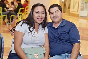 08012017 GRATOS MOMENTOS.  Paola y Alejandro.