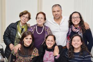 10012017 Dora Elia, María del Carmen, Mario, Yanalte, Dulce, Mayet y Luisa.