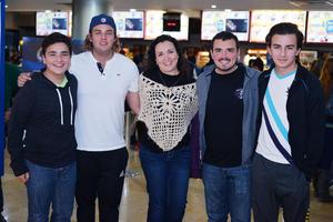 11012017 Diego, Carlos, Cherry, Esteban y Santiago.