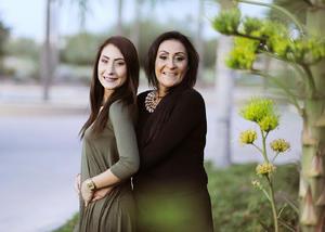 11012017 Adriana Ayoub con su hija, Fernanda.