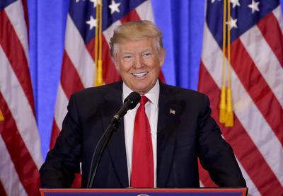 """Finalmente, Trump tomó la palabra y también se refirió al supuesto informe ruso, agradeciendo a los medios que han sido """"responsables"""" y no han difundido una """"noticia falsa""""."""
