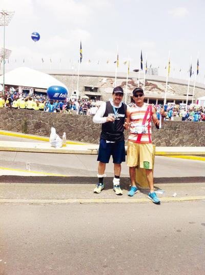 12012017 Locos X Correr en el Maratón de la Ciudad de México.