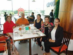 12012017 Gris, Daniela, Gaby, Tere, J. Ricardo y Carlos.