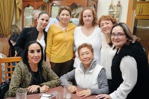 12012017 CELEBRACIóN DE CUMPLEAñOS.  Valeria, Magda, Lolita, Rocío, Angélica, Ene y Tita.