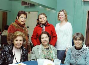 14012017 Emma, Linda, Naima, Adriana, Beatriz y Pilar.