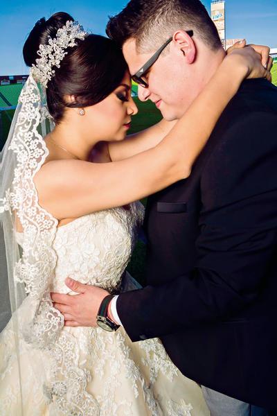 15012017 Karla Liliana Agüero Padilla y Gilberto Ramírez Muñoz contrajeron matrimonio en la Parroquia de Todos los Santos el 26 de noviembre de 2016.