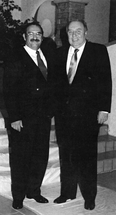 15012017 Don Roberto Thomé y Jesús Reyes en un convivio hace varios años.