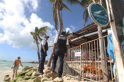 La balacera ocurrida en el bar Blue Parrot de Playa del Carmen dejó como saldo 5 personas muertas y 15 lesionadas.