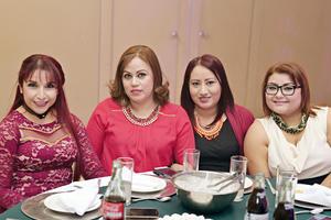 15012017 EN RECIENTE FESTEJO.  Lupita, Erika, Cynthia y Yazmín.