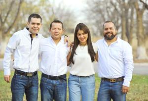 15012017 HERMANOS.  Gerardo, Robin, Yessica y Alex.