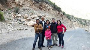 16012017 EN LAS GRUTAS DEL ROSARIO.  Gustavo, Tomás, Brenda, Hans, Idoia y Ainhoa.