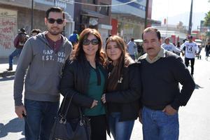 16012017 GRATOS MOMENTOS.  Felipe, Mary, Paola y Felipe.